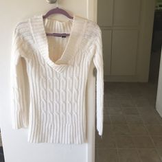 Cream/ off white cozy sweater Tried on but never worn. This was an impulse buy. 100% acrylic sweater. True to size. May run a tad small. Wet Seal Sweaters V-Necks