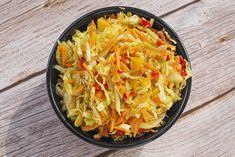 Aito ja alkuperäinen suukkokakku vie jokaisen sydämen - Kulinaari-ruokablogi Coleslaw, Ethnic Recipes, Food, Red Peppers, Coleslaw Salad, Essen, Meals, Yemek, Cabbage Salad
