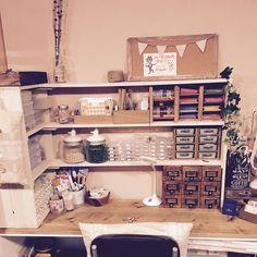 床の間リメイク/トイストーリーの仲間たち/トイストーリーピアスが机の上にある/Famille…などのインテリア実例 - 2016-09-26 00:01:21 | RoomClip(ルームクリップ) Army Room Decor, Cool Room Decor, Diy Interior, Interior Design, Workbench Table, Box Shelves, Desk Space, Room Organization, Diy Wall