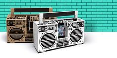 A mobile speaker inspired by the old school ghettoblasters of the 1980s. Made from Cardboard and flat packed as a DIY kit. Our German engineered audio technology delivers powerful sound to your smartphone … no matter if iPhone, iPod, Android phone or windows phone.