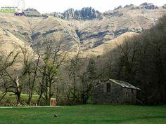 ¿Te dedicas al #TurismoRural?, cita ineludible, el @CongresoTRN Navarra 19 y 20 de febrero http://www.cantabriarural.com/noticia/el-futuro-del-turismo-rural-lema-del-vi-congreso-internacional-de-turismo-rural-de-navarra… pic.twitter.com/FQaAEJBJuk