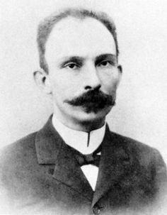 1. José Julián Martí y Pérez es el nombre real del José Martí.