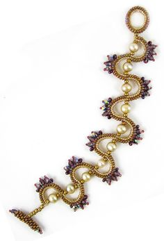 *P Sine Wave Bracelet by Melissa Grakowsky: beadpatterncentral
