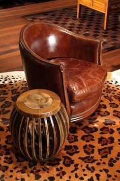 Animal print para a sua decoração. Os tapetes em couro da Adoro Presentes, decoram perfeitamente a sua sala de estar. Confira na Adoro.  #AdoroPresentes #couro #AnimalPrint #Print #Decoração #casa #sala #decoration #Ideias #Tapetes