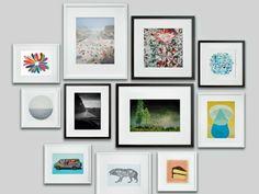 Bilderrahmen in Schwarz und Weiß an der Wand aufhängen