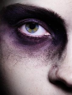 bruised eye. could recreate this with makeup