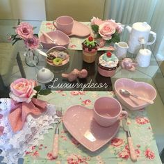 Cute Kitchen, Kitchen Decor, Strawberry Kitchen, Pink Room, Romantic Dinners, Decoration Table, Shabby Chic Decor, Happy Valentines Day, Tablescapes