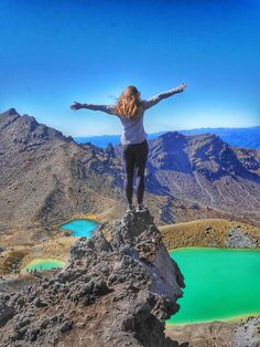 A 2-week road trip to explore New Zealand: Is it ambitious? Oh yeah. Is it possible? Heck yes. Is it the trip of a lifetime? You better believe it.