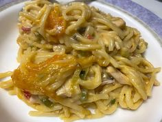 Chicken Spaghetti Pioneer Woman, Pioneer Woman Chicken, Chicken Spaghetti Casserole, Chicken Spaghetti Recipes, King Ranch Chicken, Boiled Chicken, How To Cook Chicken, Yummy Yummy