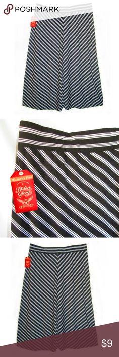 Knit Black White Flare Skirt size 22-24W Diagonal stripe skirt elastic waist band. Faded Glory Skirts Midi