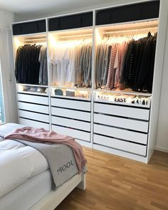 wardrobe Interior Design When most people move into a new home, there is some changes that they want Bedroom Closet Design, Girl Bedroom Designs, Room Ideas Bedroom, Home Decor Bedroom, Closet Ideas For Small Spaces Bedroom, Wardrobe Room, Cute Room Decor, Aesthetic Room Decor, Dream Rooms