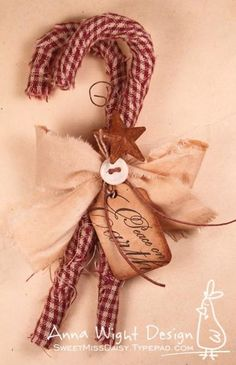 Primitive candy cane ornaments… very cute as bowl fillers, tucked on a shelf … - Candy Cane
