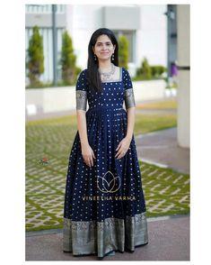 Indian Gowns Dresses, Indian Fashion Dresses, Dress Indian Style, Stylish Dress Designs, Stylish Dresses, Girls Frock Design, Gown Frock Design, Long Gown Design, Frock Models