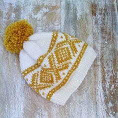 Crochet Books, Knit Crochet, Crochet Hats, Knitting For Kids, Baby Knitting, Diy Nightstand, Jewelry Case, Diy Design, Knitted Hats