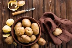 Nejlepší brambory pro přípravu knedlíku jsou brambory varného typu A Potato Gratin Recipe, Mashed Potato Recipes, Soup Recipes, Potato Dishes, Proper Nutrition, Sports Nutrition, French Fry Recipe Baked, Types Of Potatoes, Diet