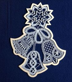 Coby Bobbin Lace Patterns, Weaving Patterns, Irish Crochet, Crochet Lace, Romanian Lace, Types Of Lace, Lace Heart, Point Lace, Lace Jewelry