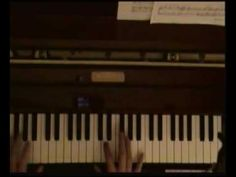 Learn how to play B-B-B-Bennie and the Jets on piano