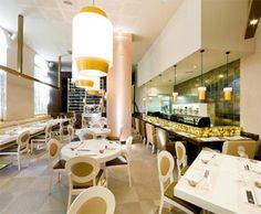 ¿Qué opción preferís para celebrar las fiestas navideñas? | El Blog de Carbonell Madrid Restaurants, Spain And Portugal, Conference Room, Table Decorations, Furniture, Home Decor, Blog, Japanese Cuisine, Cooking Tips