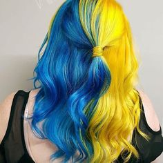Cool hair color, green hair, beautiful hair color, blue hair, half and ha. Yellow Hair Color, Pretty Hair Color, Beautiful Hair Color, Hair Dye Colors, Hair Color Dark, Ombre Hair Color, Green Hair, Blue Hair, Vivid Hair Color