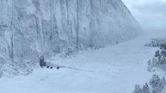 Game of Thrones season 6 spoiler alert: ███ █████████ seen filming major battle scene in Saintfield, Northern Ireland Gif Game Of Thrones, Game Of Thrones Locations, Fukushima, Maison Stark, Jon Snow, Casa Stark, Transformers, Wall Game, Ice Dragon