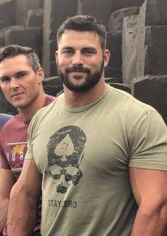 Hairy Hunks, Hairy Men, Bearded Men, Scruffy Men, Handsome Man, Beefy Men, Awesome Beards, Hommes Sexy, Mature Men