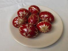 Kraslice zdobené slámou - červené Ukrainian Easter Eggs, Egg Art, Spring Crafts, Easter Crafts, Traditional, Breakfast, Target, Food, Do Crafts