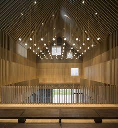 Galeria de Capela Suzhou / Neri&Hu Design and Research Office - 15 Suzhou, Chinese Architecture, Space Architecture, School Architecture, Architectural Design Studio, Neri And Hu, Church Interior, Space Interiors, Wood Ceilings