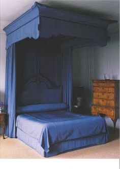 Marie Antoinette Antique French Style Bed like this for a teenage girls room so mamas feels like a princess