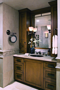 Recent bathroom vanity cabinet only canada only in homestre design Small Bathroom Paint, Painting Bathroom Cabinets, Bathroom Vanity Cabinets, Large Bathrooms, Bathroom Layout, Modern Bathroom Design, Bathroom Ideas, Bathroom Vanities, Bathroom Wall