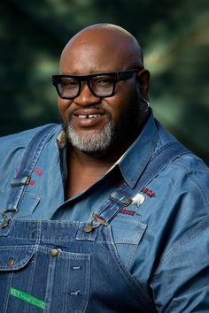 "AFMW: BBQ Pitmaster Moe Cason, of Ponderosa BBQ, and star of Destination America's ""Barbecue Pitmasters"""