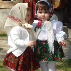 Little girls wearing traditional Romanian costumes We Are The World, People Around The World, Romanian Gypsy, Visit Romania, Gypsy Life, Baby Kind, My Heritage, Traditional Outfits, Old World