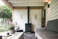 Small Outdoor Spaces, Outdoor Rooms, Outdoor Gardens, Outdoor Living, Patio Roof, Backyard Patio, Backyard Landscaping, Garden Veranda Ideas, Bohemian Living Rooms