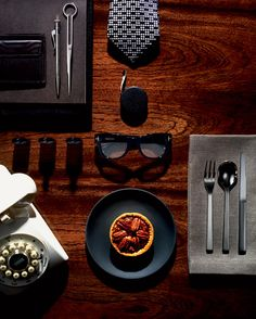 Pecan Pie recepie and fab styling by Tom Ford, photographed by Richard Foster for Wallpaper magazine: 1 cup of white Karo syrup cup bro. Style Blog, My Style, Business Portrait, Style Gentleman, Things Organized Neatly, Style Outfits, Wallpaper Magazine, Its A Mans World, Style Casual
