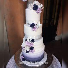 #congratulations to the brand new Mr and Mrs Sekhitla on getting married. #weddingcake #weddingthings #wedding #purple #white #marriage #newbeginnings #mrandmrs #weddingflowers #love #johannesburg #southafrica #joburg #sweettreasurescakeco #sweettreasures #ombre