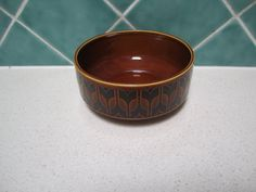 A retro vintage 1977 Hornsea, bowl.  Size is 12.5cm in diameter and 6cm high.  Please contact me with any questions.