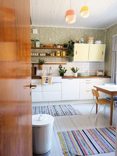Kitchen Renovation Inspiration, Interior Design Inspiration, Dining Area, Kitchen Dining, Scandi Home, Nordic Design, Kitchen Interior, Living Spaces, Sweet Home