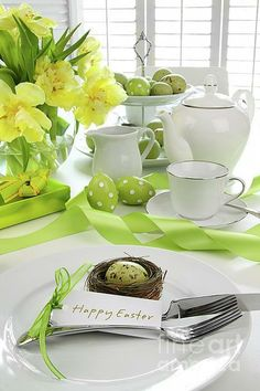 Pretty green Easter centerpiece.