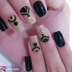 17 Ideas for manicure designs black silver Gem Nails, Nail Manicure, Hair And Nails, Fabulous Nails, Gorgeous Nails, Pretty Nails, Crazy Nails, Love Nails, Rhinestone Nails