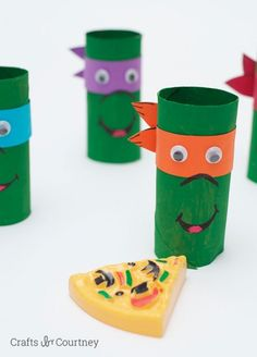 Arts and crafts videos key: simple toilet paper roll teenage mutant ninja turles Crafts For Boys, Toddler Crafts, Projects For Kids, Diy For Kids, Fun Crafts, Diy Projects, Cardboard Tube Crafts, Paper Towel Roll Crafts, Toilet Paper Roll Crafts