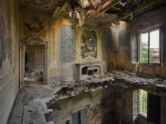 """archatlas: """" Orphans of Time Rebecca Bathory A fashion photographer turned urban explorer has swapped modelling shoots for the allure of abandoned buildings. Rebecca Lillith Bathory, from London,. Abandoned Buildings, Abandoned Castles, Abandoned Mansions, Old Buildings, Abandoned Places, Travel Around The World, Around The Worlds, Haunted Places, Architecture"""