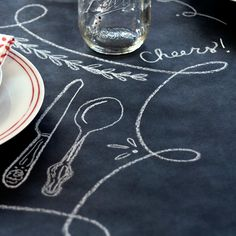 Chalkboard tables give an artistic feel to seated events. It also allows the guests to personalize their spaces! Chalkboard Markers, Chalkboard Table, Chalkboard Paint, Cool Diy Projects, Crafty Projects, Kitchen Dinning Room, Chalk It Up, Cute Kitchen, A Table