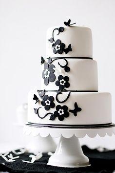 Torta de boda blanco y negro.