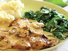 make sure to get good cut off veal and pounding it is necessary. This delicious veal scaloppine dish is topped with an impressive mushroom marsala sauce and is ready in 30 minutes. Veal Scallopini, Veal Cutlet, Chicken Scallopini, Sauce Recipes, Wine Recipes, Cooking Recipes, Italian Dishes, Gastronomia, Gourmet