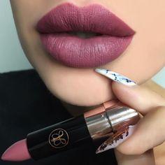 Dead Roses Matte Lipstick @glamours_by_nat #abhlipstick