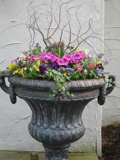 44 Creative and Beautiful Spring Garden Containers Ideas A vast array of containers are suitable provided that they have drainage holes. It's also important to keep in mind that planting containers may be a significant part your garden. A container Outdoor Flowers, Outdoor Planters, Outdoor Gardens, Container Flowers, Container Plants, Container Gardening, Garden Urns, Lawn And Garden, Willow Garden