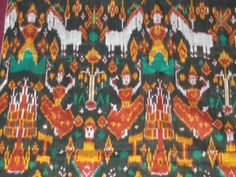 VINTAGE CAMBODIAN IKAT SILK BUDDHIST PEDAN PIDAN WEAVING TEXTILE WALL ART DECOR