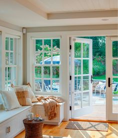 Cape Cod Shingle Beach House with Coastal Interiors - Home Bunch Interior Design Ideas Luxury Interior Design, Coastal Interior, Interior Livingroom, Interior Ideas, Nantucket Style Homes, Cottage Interiors, Luxury Homes, Decoration, Beach House