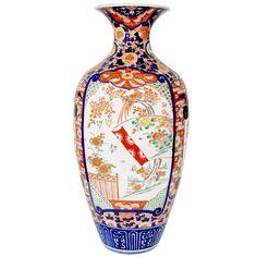 1stdibs | Antique Japanese Oriental Hand Painted Porcelain Ceramic Imari vase