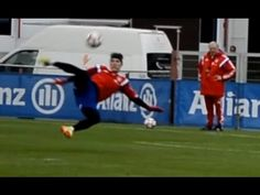 Bastian Schweinsteiger sideways scissor kick - FC Bayern Munich