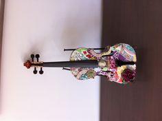Hermoso, enamorada del violín :3